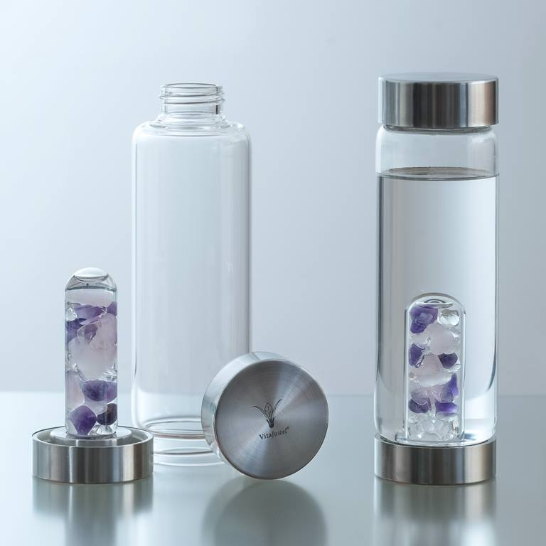 Vanaf nu geniet je met de VitaJuwel ViA drinkfles overal van heerlijk drinkwater. Vul de fles waar je maar wil en maak je eigen bronfrisse drinkwater……. ALTIJD en OVERAL! VitaJuwel ViA is…